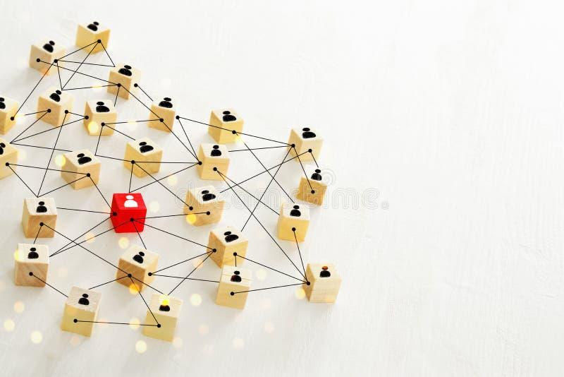 连通性概念抽象照片,连接个体、阶层和HR 免版税库存图片