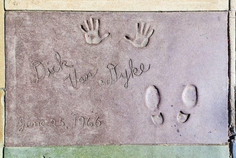 迪克van Dykes handprints在混凝土的好莱坞大道 免版税库存图片