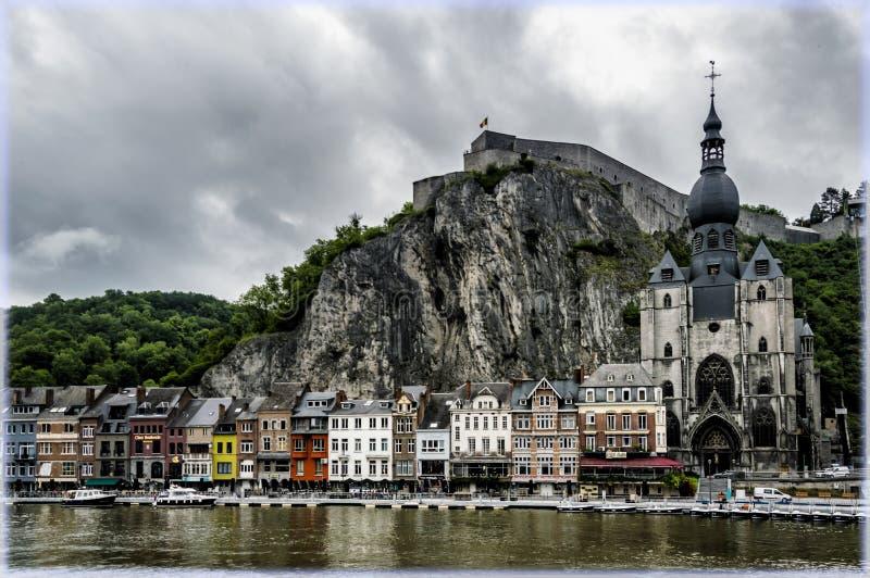 迪南,多雨天气的比利时 库存图片