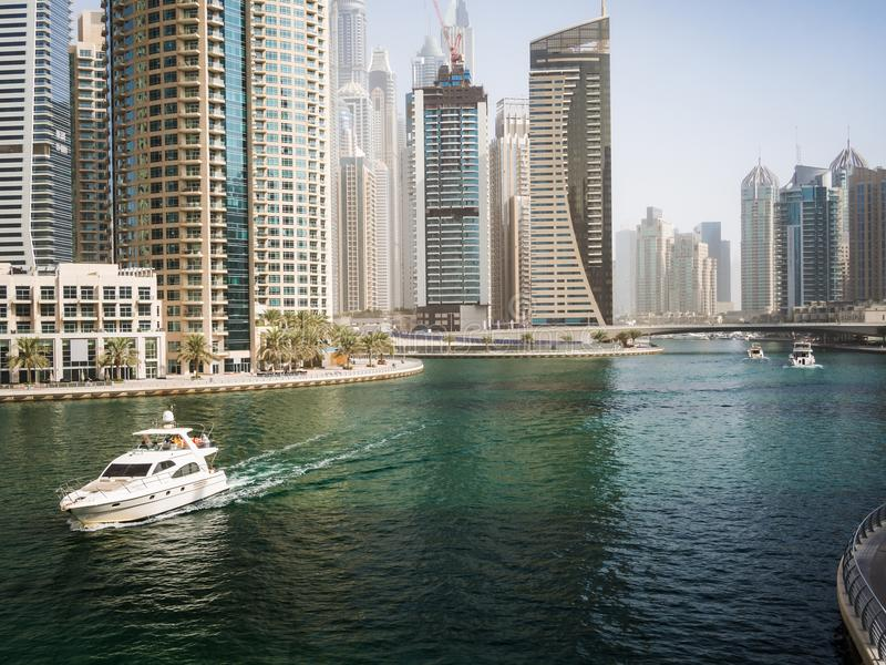 迪拜小游艇船坞的摩天大楼,阿拉伯联合酋长国 库存图片