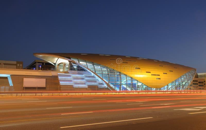 迪拜未来派地铁新的岗位 图库摄影