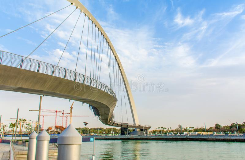 迪拜水运河容忍桥梁 免版税库存图片