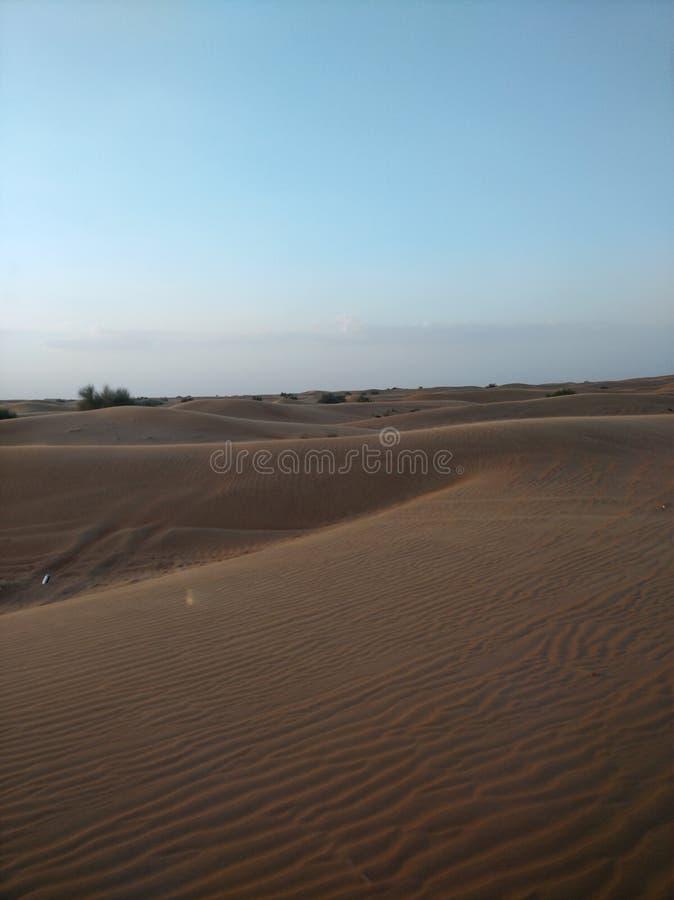 迪拜沙漠徒步旅行队 库存照片