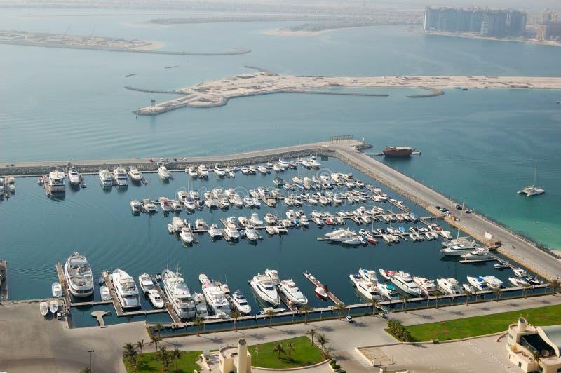 迪拜海滨广场停车游艇 库存图片