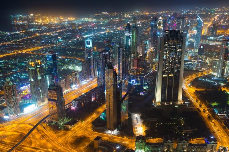 迪拜的市中心在晚上 库存照片