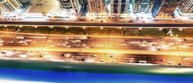 迪拜的美好的夜地平线在扎耶德Road回教族长的 图库摄影