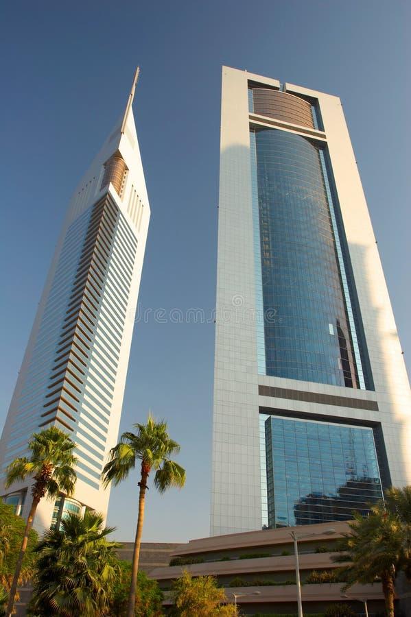 迪拜酋长管辖区塔 免版税库存照片