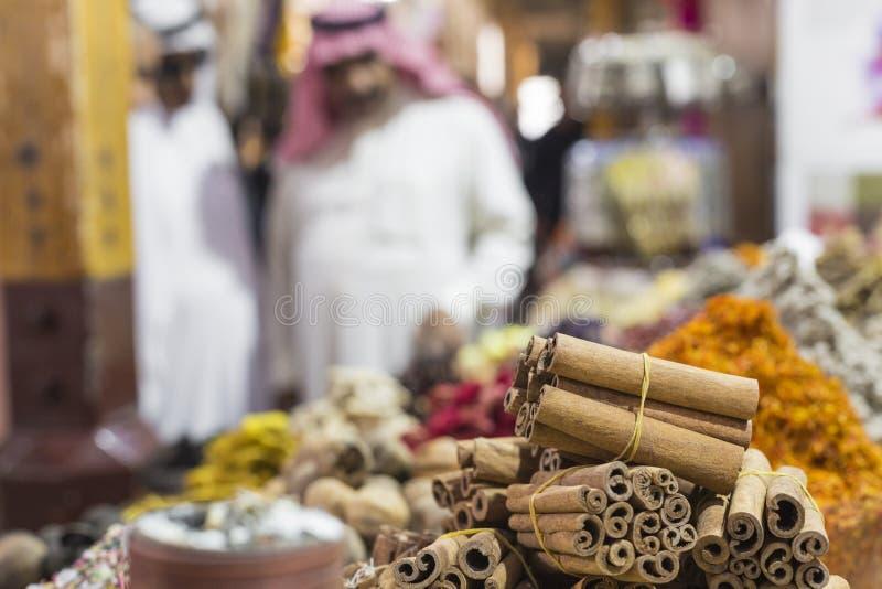 迪拜香料Souk或老Souk是一个传统市场在都坝 库存照片