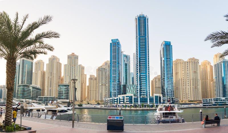 迪拜,阿联酋- 2017年11月4日:迪拜小游艇船坞平底锅 免版税库存照片
