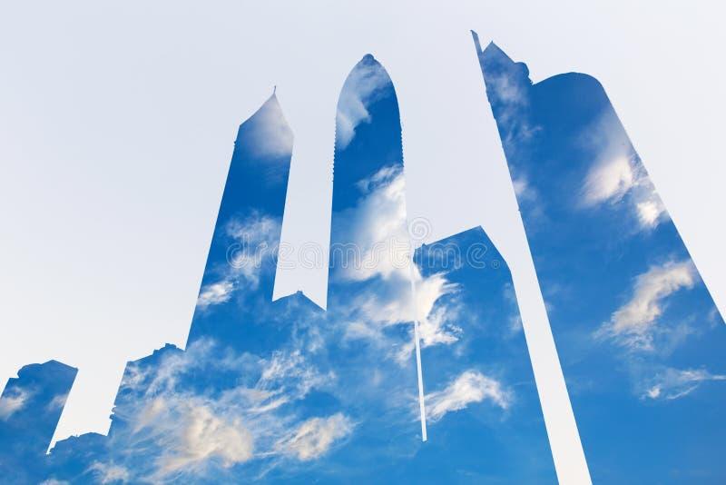 迪拜-摩天大楼和cloudscape pohto蒙太奇  免版税库存照片