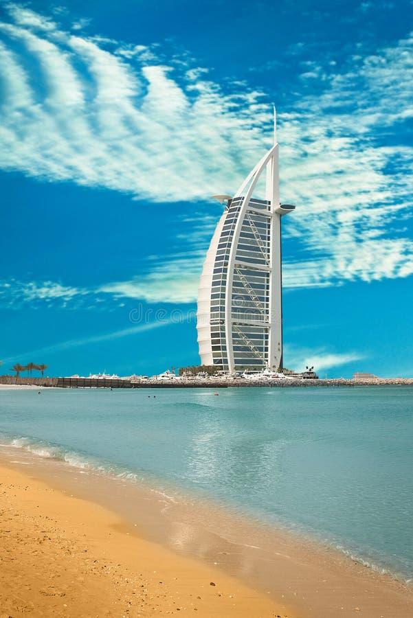 迪拜- 6月4 :Burzh Al阿拉伯人 库存照片
