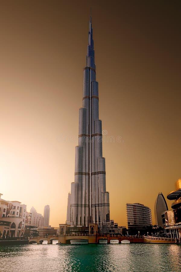 迪拜burjkhalifa轰烈的大厦  库存图片