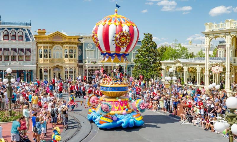 迪斯尼世界不可思议的王国游行Mickey和Minie老鼠 免版税库存照片