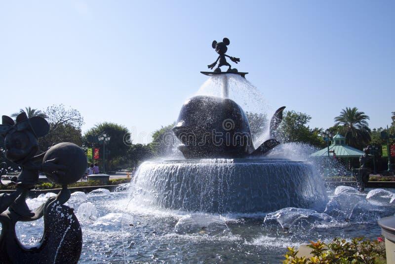 迪斯尼乐园入口喷泉香港 免版税库存照片