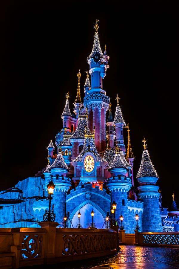 迪斯尼乐园巴黎Castel在圣诞节期间 库存图片