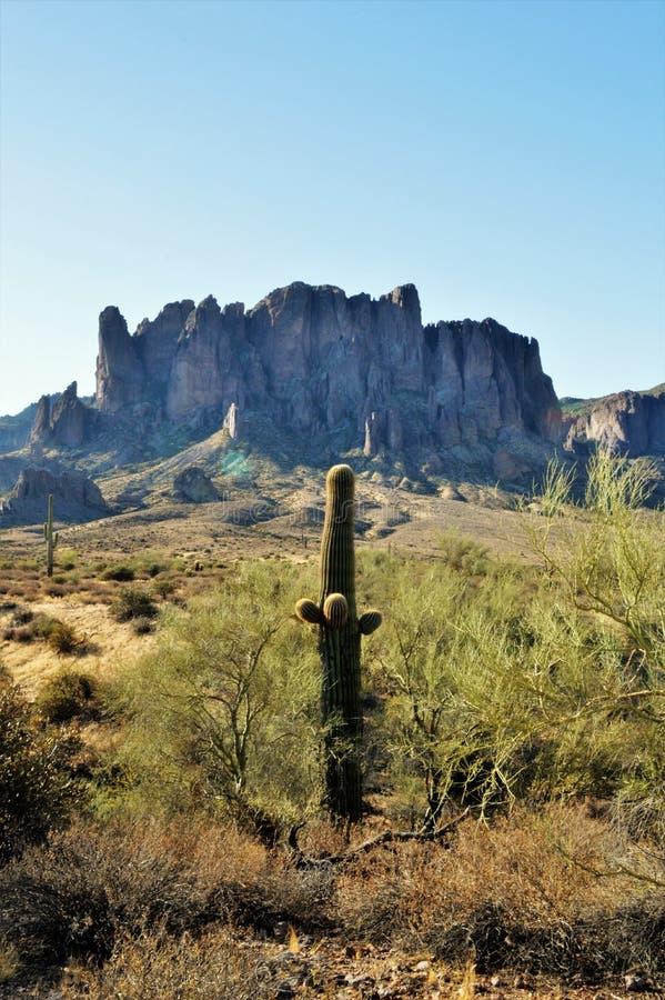 迷信山在亚利桑那 免版税图库摄影