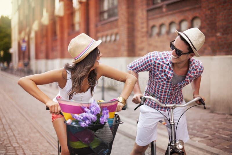 追逐在自行车 库存图片