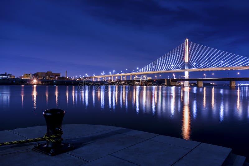 退伍军人玻璃城市Skyway桥梁 库存图片