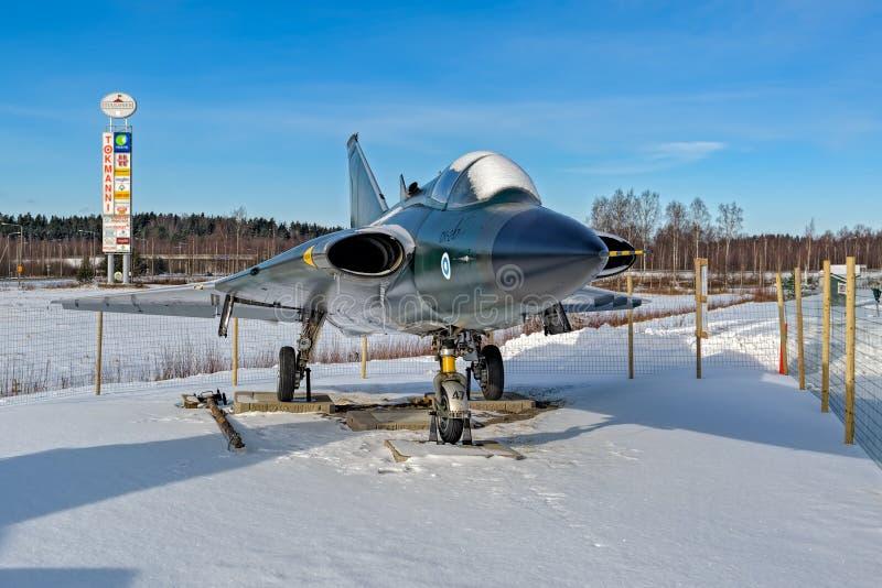 退休的瑞典做的喷气式歼击机航空器绅宝35 Draken博士 库存图片