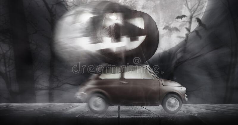送南瓜的万圣节车 免版税库存照片
