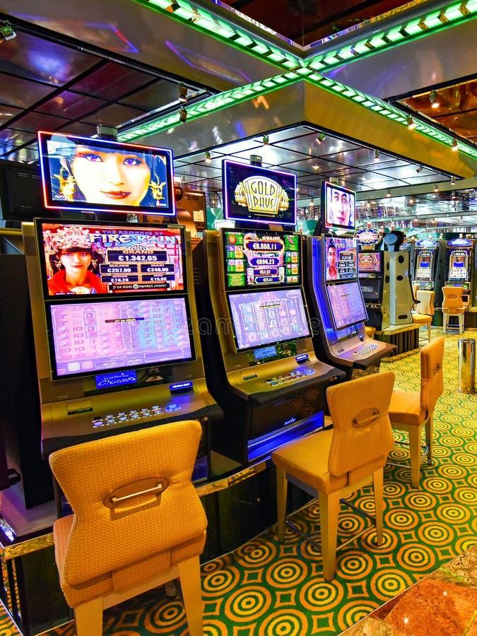 送货公司科斯塔Crociere的游轮科斯塔Favolosa的赌博娱乐场地区 免版税图库摄影