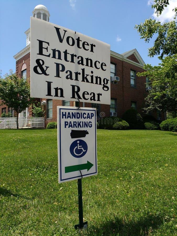 选民入口&停车处在后方,拉塞福, NJ,美国 库存照片