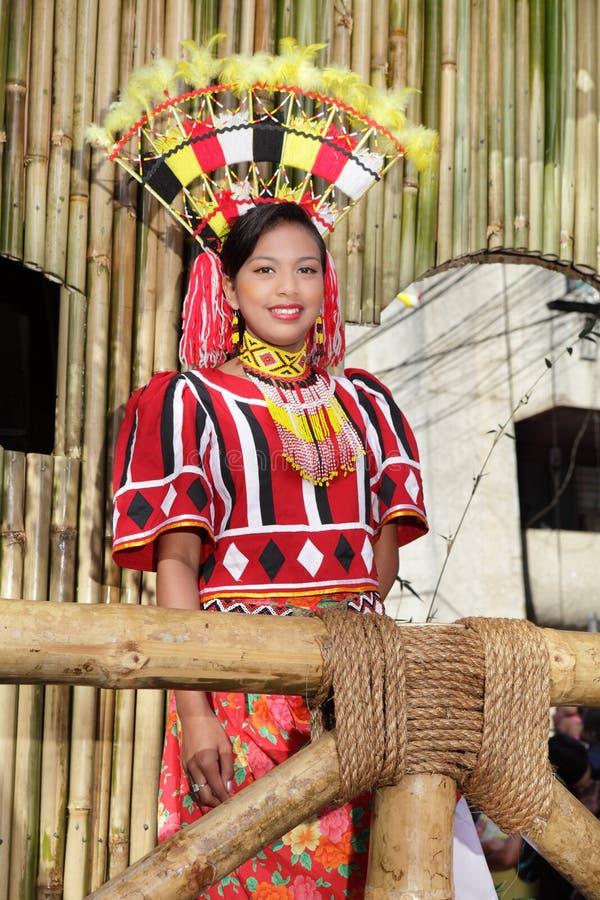 选美比赛女孩游行部族 免版税库存照片