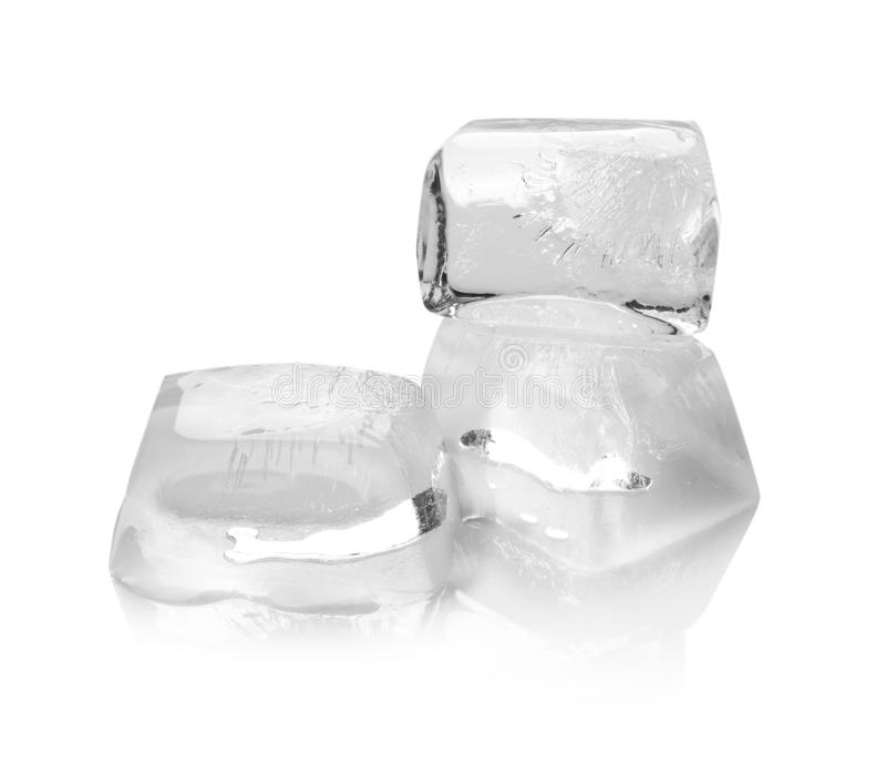 透明冰块熔化 免版税库存图片