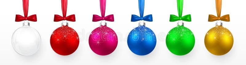 透明和五颜六色的圣诞节和新年玩具、球与雪作用和弓集合 Xmas玻璃球,红色和蓝色,绿色和 皇族释放例证