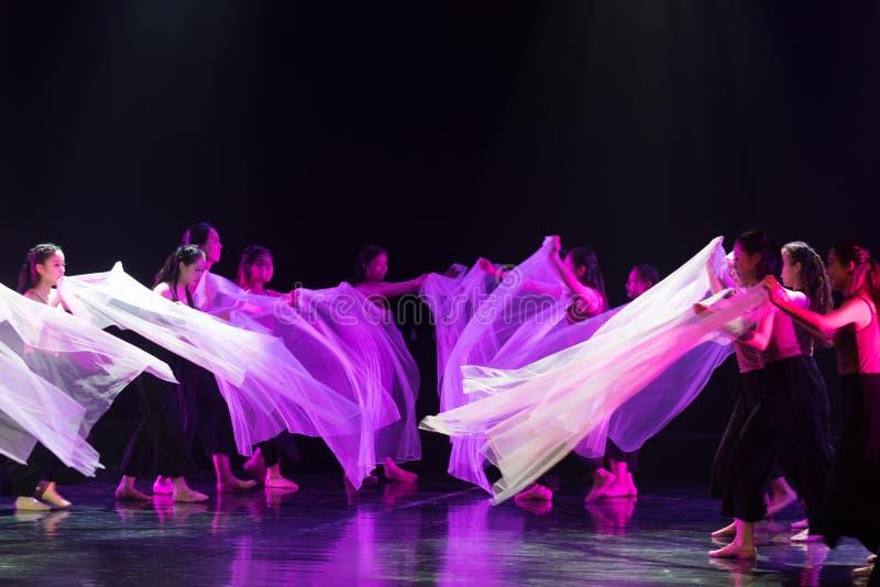 透明围巾舞蹈9--舞蹈戏曲驴得到水 免版税库存照片
