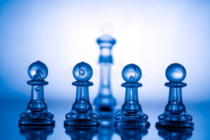 透明蓝色的棋 免版税库存照片