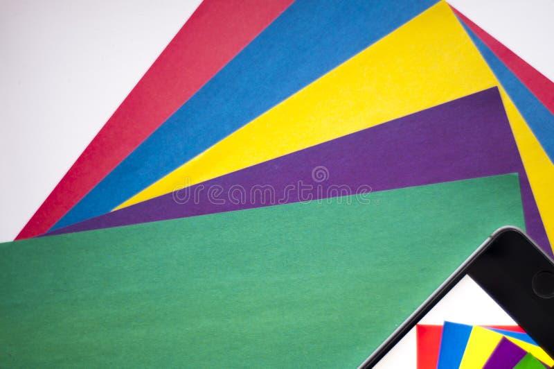 递归 五颜六色的背景 使用手机 颜色 在一个手机拍的照片 免版税库存图片
