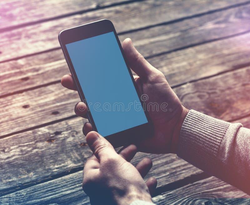 递smartphone 包括的裁减路线 免版税库存图片