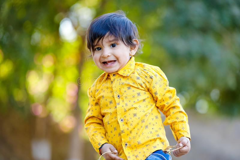 逗人喜爱的印度男婴 库存照片