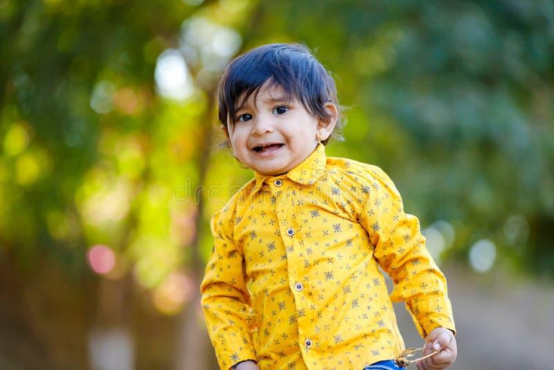 逗人喜爱的印度男婴 免版税库存照片