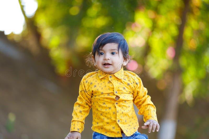 逗人喜爱的印度男婴 免版税库存图片