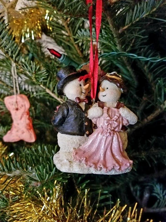 逗人喜爱的圣诞节装饰品 免版税库存图片