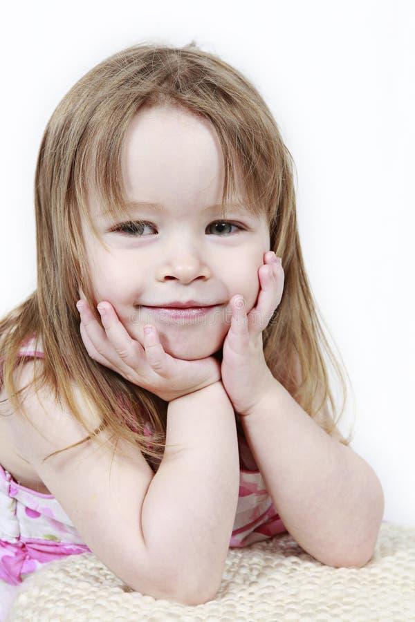 逗人喜爱的女孩年轻人 免版税库存照片
