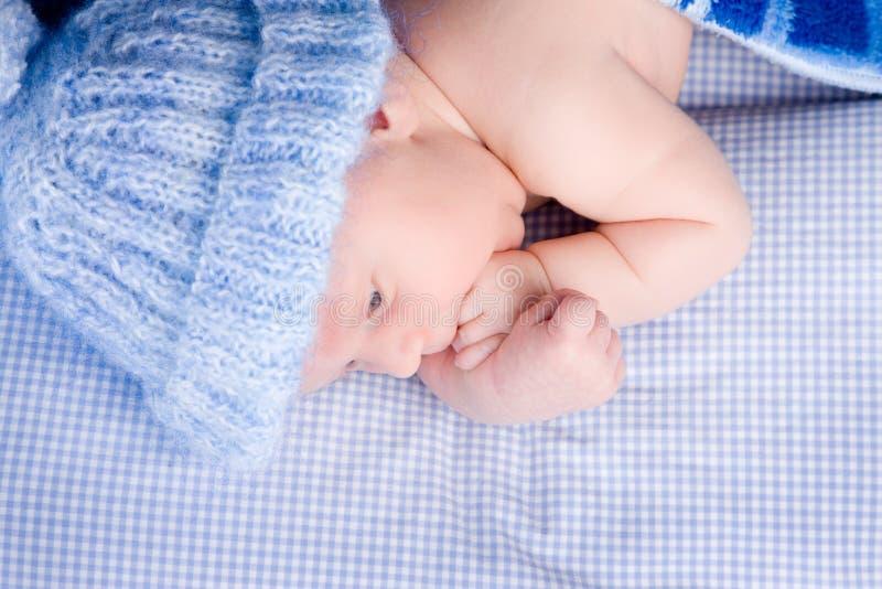 逗人喜爱的婴孩床 库存图片
