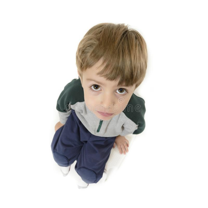 逗人喜爱的孤独的男孩 免版税库存图片