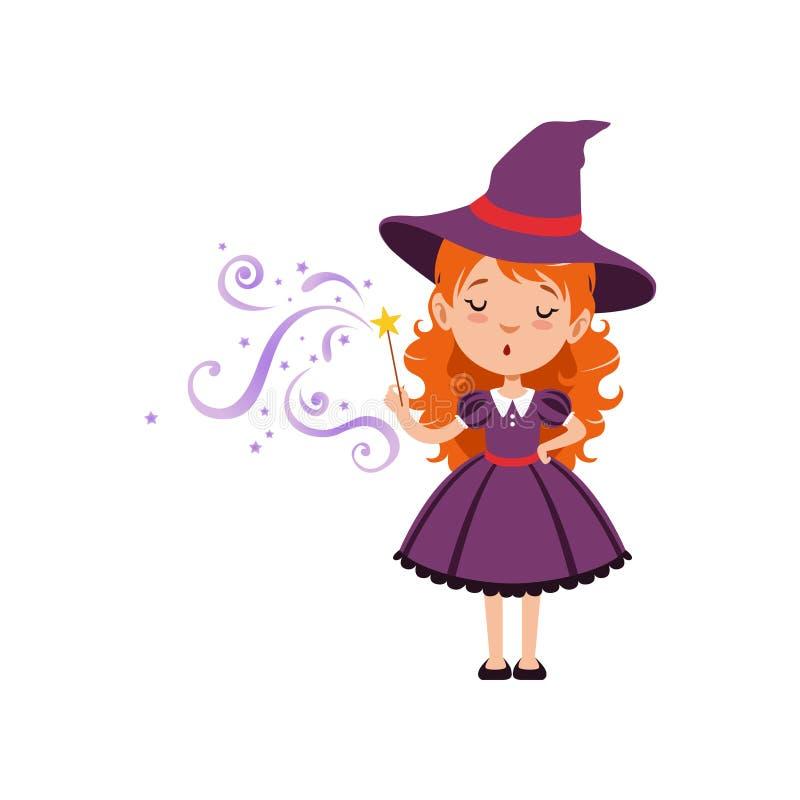 逗人喜爱的小巫婆降与不可思议的鞭子的一个咒语 戴紫色礼服和帽子的年轻红发孩子女孩 平的传染媒介 库存例证