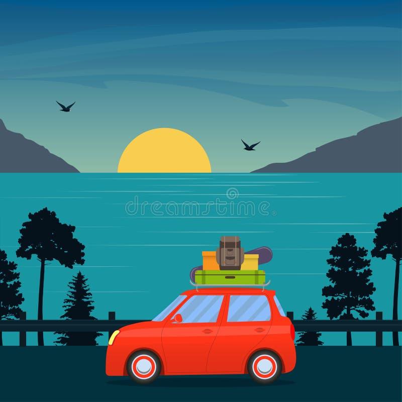 逗人喜爱的带着冲浪板和手提箱的动画片红色汽车在有后边海、太阳和山的路 家庭旅行乘汽车 传染媒介平的illu 向量例证