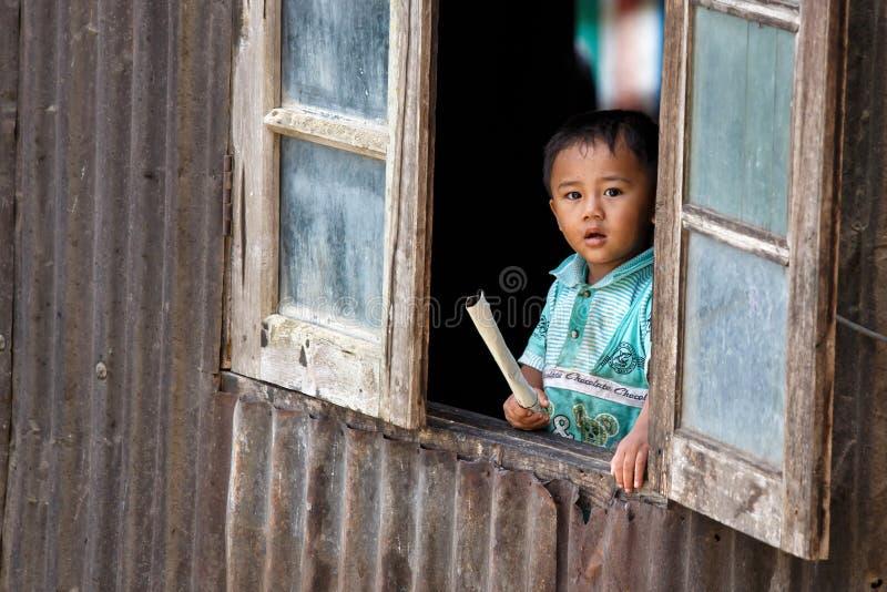 逗人喜爱的缅甸男孩在Falam,缅甸(缅甸) 图库摄影