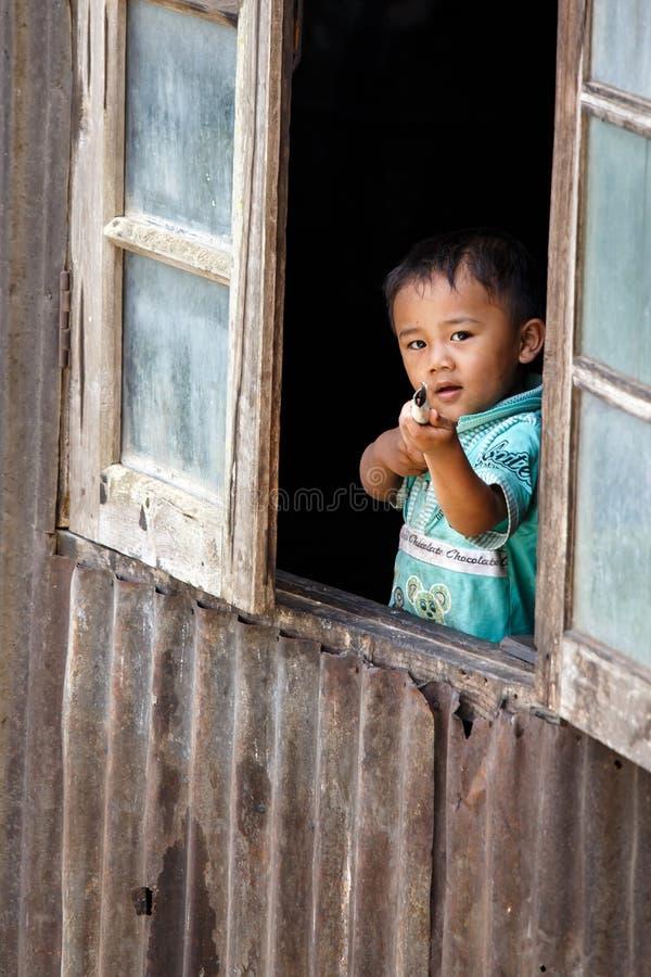 逗人喜爱的缅甸男孩在Falam,缅甸(缅甸) 库存照片