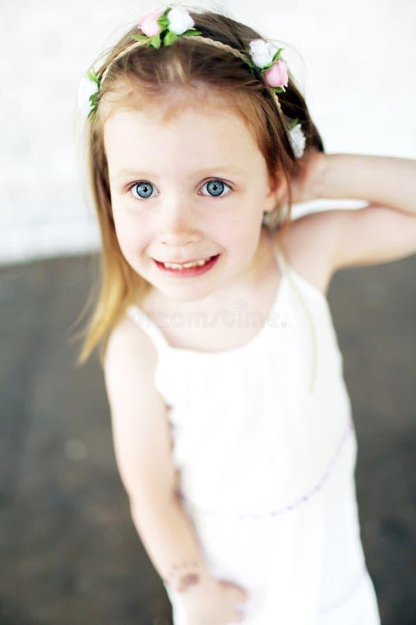 逗人喜爱的美丽的女孩画象  库存照片
