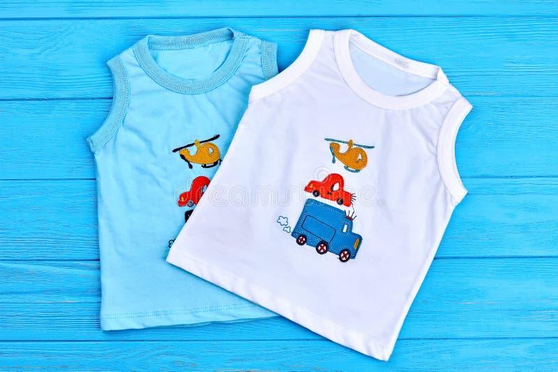 逗人喜爱的T恤杉的汇集婴孩男孩的 库存图片