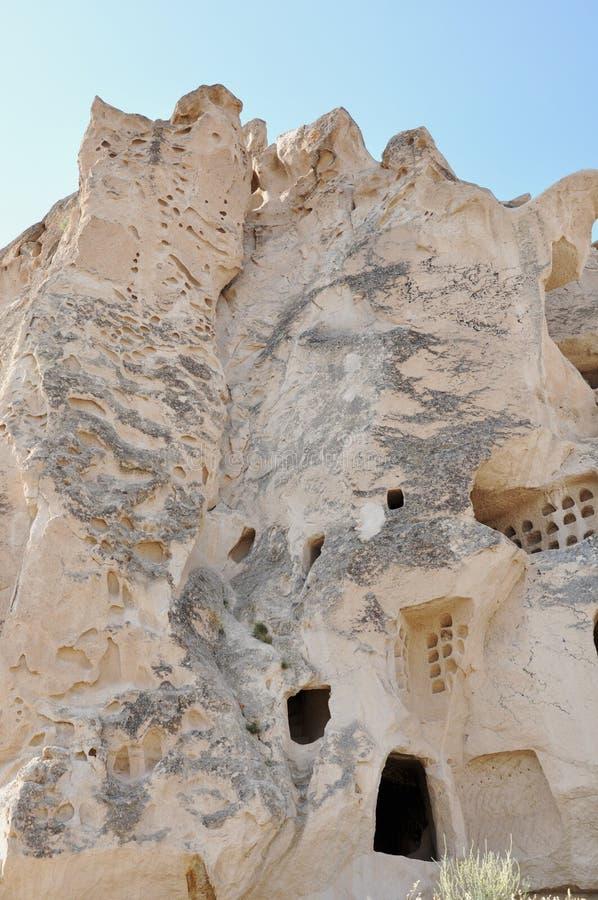 通信鸽队雕刻了入Rockface -英国兰开斯特家族族徽谷, Goreme,卡帕多细亚,土耳其 库存图片
