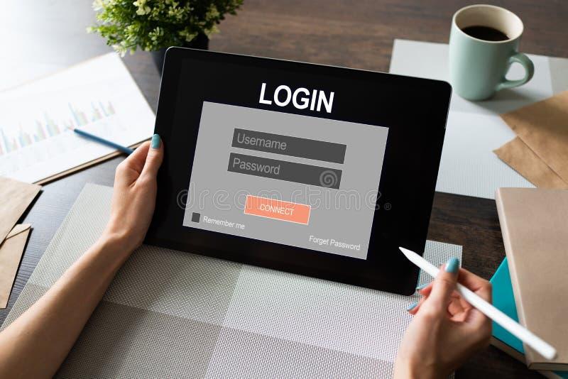 通入窗口 输入注册和密码 网络保护 信息保密性 互联网和技术概念 免版税库存图片