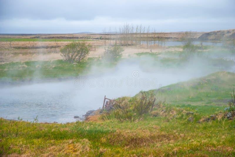 通入蒸汽的热水,冰岛 免版税库存图片