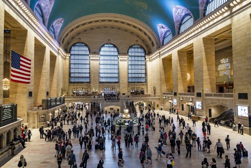 通勤者和游人盛大中央驻地的在纽约 免版税库存图片